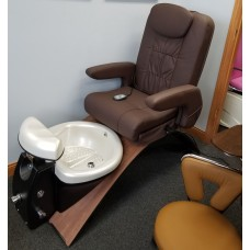 Continuum Showroom Pedicure Spa With Wood Base & Rolling Massager Chair Top